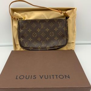 💯Auth Louis Vuitton Pochette Handbag
